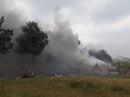 Cháy nhà xưởng, lửa lan sang thiêu rụi quán cà phê