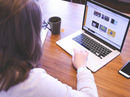 Người Việt trẻ kiếm tiền tỉ qua Internet