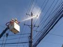 Ứng dụng công nghệ vệ sinh lưới điện không cắt điện