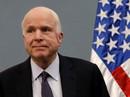 """Ông McCain tiếp tục """"oanh tạc người nhà"""""""