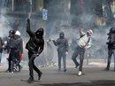 Pháp: Giới trẻ trút giận lên cả 2 ứng viên tổng thống