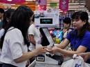 Người tiêu dùng đi Co.opmart, mua càng nhiều càng có lợi
