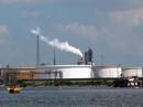 """Mỹ mạnh tay với """"đại gia"""" gây ô nhiễm"""