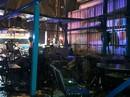 Sập mái nhà bằng kính, 10 thực khách bị thương