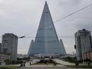 """Bắn tên lửa xong, Triều Tiên """"xử"""" tiếp khách sạn hoang phế vài thập kỷ?"""