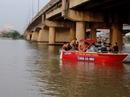 Trăm người chết sững khi thấy người nhảy sông Sài Gòn tự tử