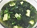 Thanh mát, bổ dưỡng với canh rong biển đậu hũ non