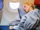 Ngủ trên máy bay coi chừng... bị điếc