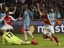Sao trẻ Mbappe chê Mourinho, quay lưng làng cầu Anh
