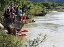 Tìm thấy thi thể 2 học sinh Quảng Bình mất tích trên sông