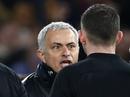 """Mourinho: """"Trọng tài phá hỏng trận đấu và giúp Chelsea thắng"""""""