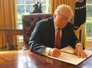 """Ông Trump ký sắc lệnh nhập cư mới """"nhẹ đô"""" hơn"""