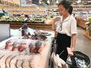 Đi chợ mua cá ngoại