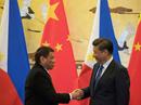 """""""Tuần trăng mật"""" của ông Duterte với Trung Quốc sắp hết?"""