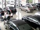 """Thị trường ô tô """"hồi hộp"""" chờ quy định mới"""