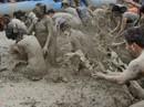 Khoảnh khắc độc đáo tại lễ hội tắm bùn Hàn Quốc