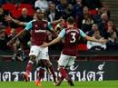 Thua thảm trận derby, Tottenham văng khỏi League Cup
