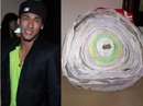 """""""Thần đồng"""" Neymar và lá thư dài… 1km của fan cuồng!"""