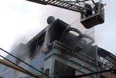TPHCM: Cháy lớn ở cửa hàng nội thất trên đường Lê Quang Định