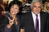 Vợ ông Strauss-Kahn đành phải bỏ chồng