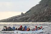 Đoàn khảo sát Nhật đến đảo tranh chấp