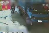Trung Quốc: Tài xế cán bé Duyệt Duyệt ngồi tù 3,5 năm