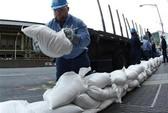 Người Mỹ nín thở chờ bão Sandy