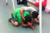 Trung Quốc: Ông già, trai trẻ đánh nhau giành ghế tàu điện ngầm