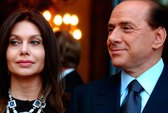 Ông Berlusconi chu cấp 131.000 USD/ngày cho vợ cũ