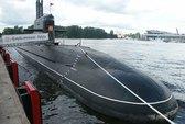 Việt Nam sắp nhận tàu ngầm, Trung Quốc lo ngại