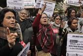 Nghi phạm vụ cưỡng hiếp tập thể Ấn Độ tự sát