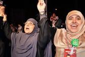 Vợ ông Morsi lần đầu ra mặt