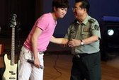 Con tướng Trung Quốc hầu tòa vì cưỡng hiếp