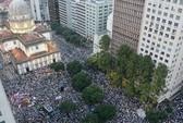 Brazil: Chính quyền chịu lui, người biểu tình vẫn tiến