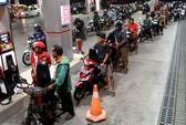 """Cảnh sát Indonesia """"thuê côn đồ đánh người biểu tình"""""""