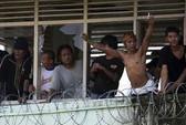 Phóng hỏa nhà tù, 200 tù nhân vượt ngục