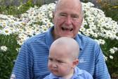 Mỹ: Cựu Tổng thống Bush cạo đầu