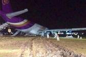 Máy bay trượt khỏi đường băng, 14 người bị thương
