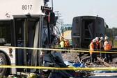 Xe buýt đâm tàu hỏa, 40 người thương vong