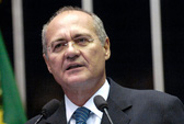 """Brazil truy thu """"siêu lương"""""""
