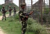 Ấn Độ - Pakistan đấu súng hạng nặng cả ngày