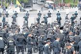 Thái Lan: Hàng trăm người bao vây tòa nhà Quốc hội
