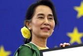 Bà Suu Kyi nhận giải nhân quyền Sakharov sau 23 năm