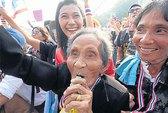 Bà Yingluck từ chức trong 24 giờ?