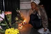 Nước mắt và tiếng hát tiễn ông Mandela