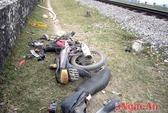 Tàu hỏa đâm xe máy, một người nguy kịch