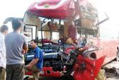 Xe khách tông nhau, 1 người chết, 7 người bị thương nặng