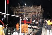 Cứu 32 ngư dân bị nạn trên biển