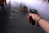 Đòi nợ giùm bằng súng, bị đánh bầm dập