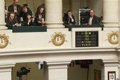 """Bỉ thông qua dự luật """"cái chết êm ái"""" cho trẻ em"""